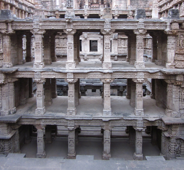 indian_stepwell_Rani_ki_Vav